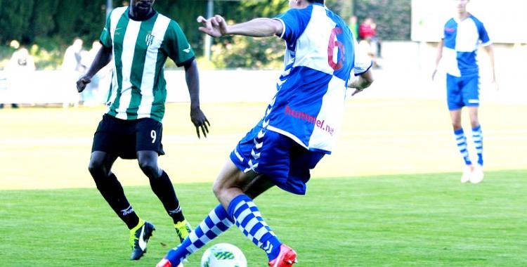 Víctor en una acció del 2-1 de la primera volta | Lluís Serrat (L'Esportiu)