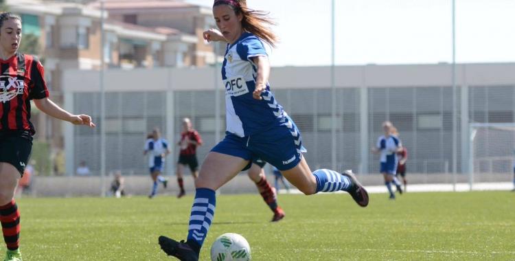 Marta Lilo va fer el gol arlequinat a Les Comes | Roger Benet (CES)