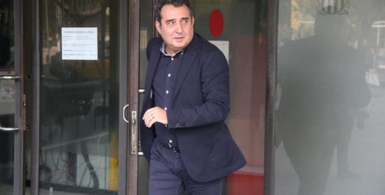 Manuel Bustos a la sortida dels jutjats