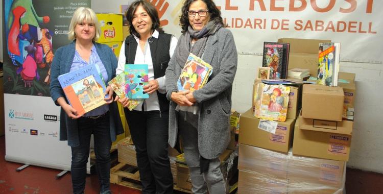 La regidora de cultura, Montserrat Chacón, la directora del Rebost, Mercè Calvet i Anna Fité, directora del Festival | Cedida