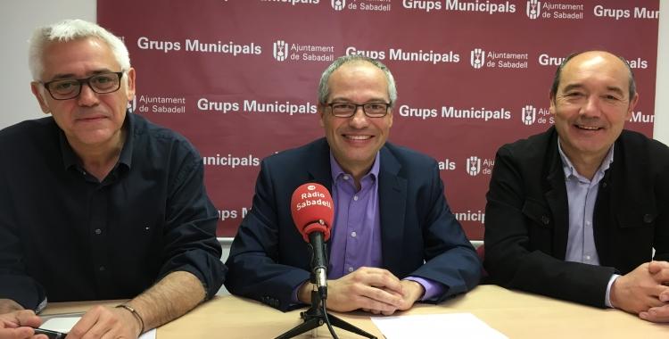 Els regidors Toni Font, Carles Rossinyol i Josep Beltran en roda de premsa | Mireia Sans