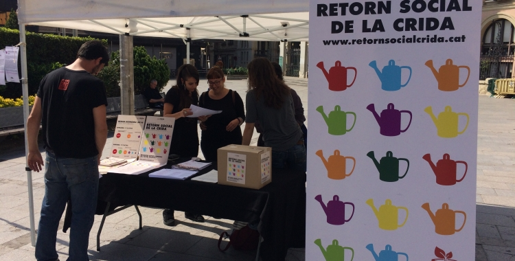La parada informativa del Retorn Social a la plaça Doctor Robert