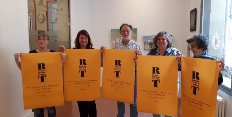 Imatge dels impulsors de l'homenatge a Robert Ferrer/ Karen Madrid