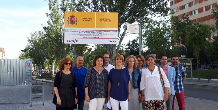 Ciuró, acompanyada de representants de PDECat de diferents municipis vallesans