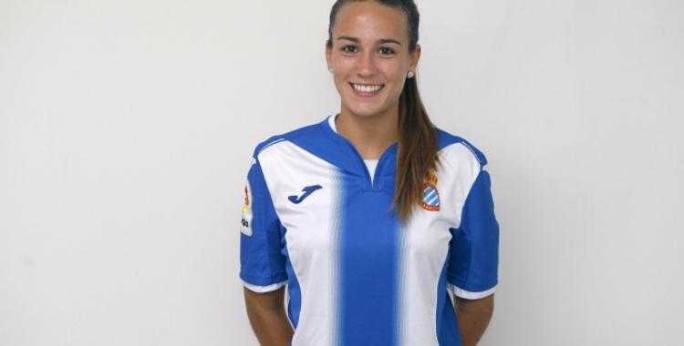 Carola Garcia es felicita per la permanència de l'Espanyol   www.rcdespanyol.com