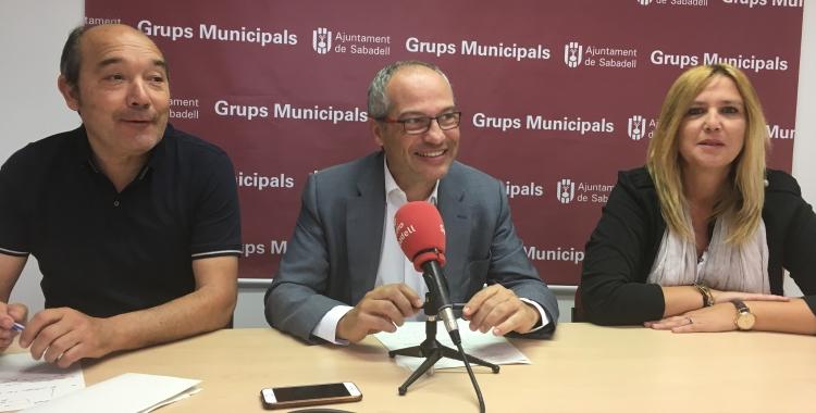 Els regidors Josep Beltran, Carles Rossinyol i Sílvia Renom aquest matí   Mireia Sans