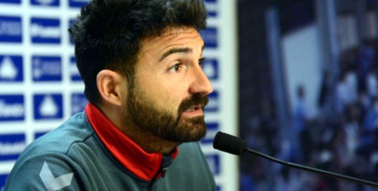 Guillermo Romo durant una roda de premsa