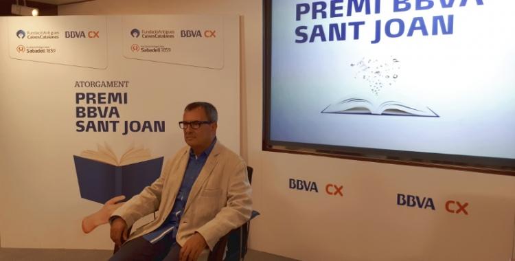 Rafael Vallbona, durant la presentació del Premi Sant Joan davant la premsa/ Karen Madrid