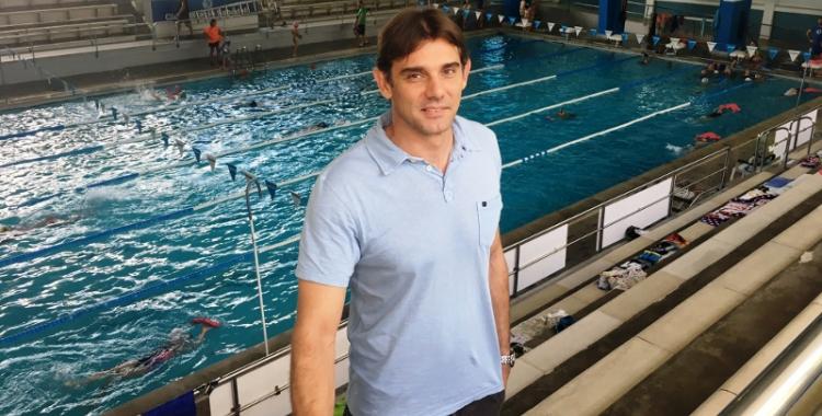 Kizierowski a la piscina del carrer Montcada | CNS