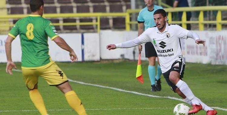 El nou futbolista arlequinat procedeix del Burgos | Raúl G. Ochoa (El Correo de Burgos)