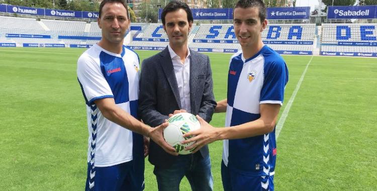 Migue i Pedro Capó amb Bruno Batlle al mig | Sergi Garcés