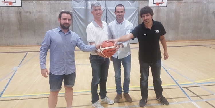 Jordi Zamora (femení) Jordi Vallhonrat (president) Andreu Bou (gerent esportiu) i Oriol Domínguez (masculí) aquest matí a Sant Nicolau