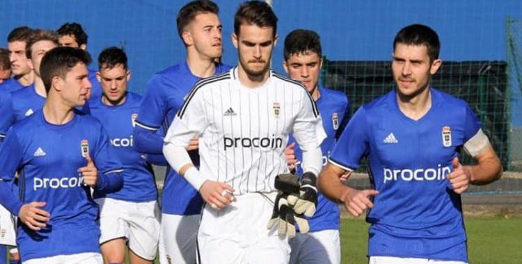 Álvaro Chaparro vestint els colors de l'Oviedo