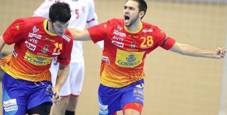 Ian Tarrafeta celebra un gol amb la selecció espanyola