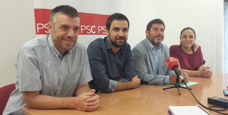 El diputat i els regidors del PSC a la roda de premsa | Pau Duran