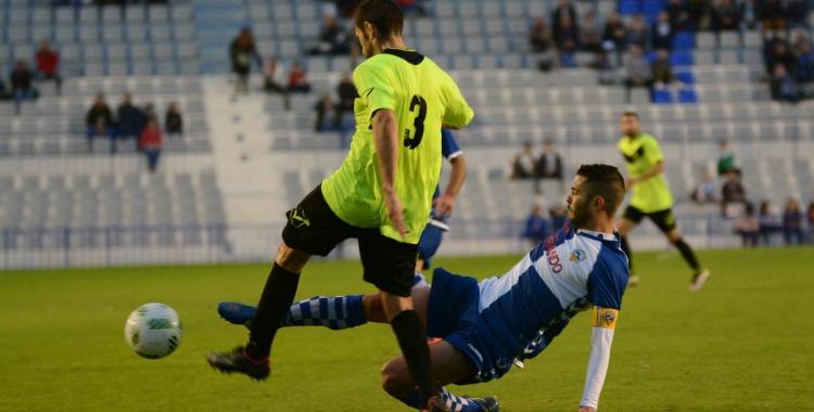 Juanjo Ciércoles, amb el braçalet de capità, en un partit de la temporada passada