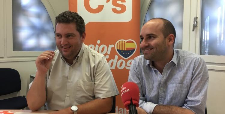 Els regidors Jose Luis Fernández i Adrián Hernández en roda de premsa | Mireia Sans