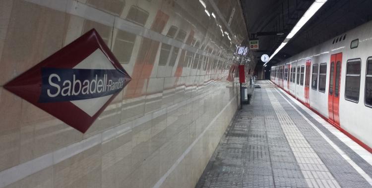 Aspecte actual de l'andana de l'estació Sabadell Rambla | Pau Duran