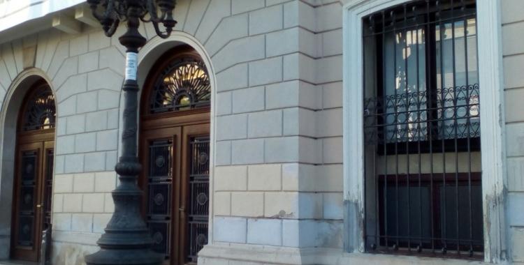 Façana de l'Ajuntament de Sabadell sense la bandera espanyola de Ciutadans | Pere Gallifa