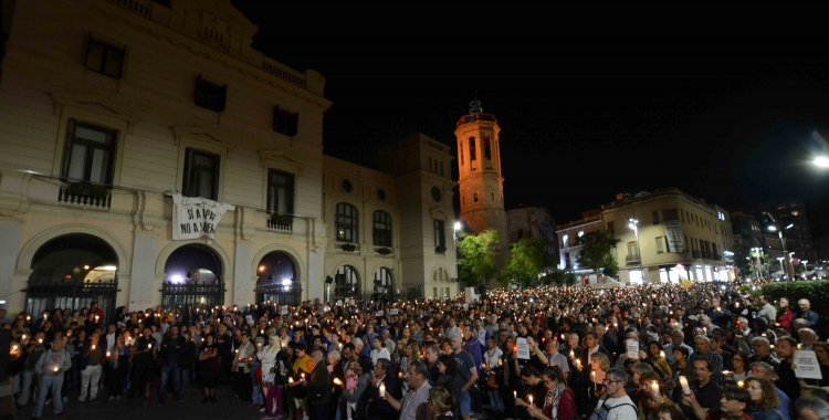 Imatge de la plaça Doctor robert durant la concentració per demanar la llibertat de Jordi Sànchez i Jordi Cuixart. Foto: Roger Benet