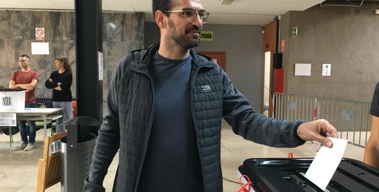 Maties Serracant exercint el seu vot | Mireia sans