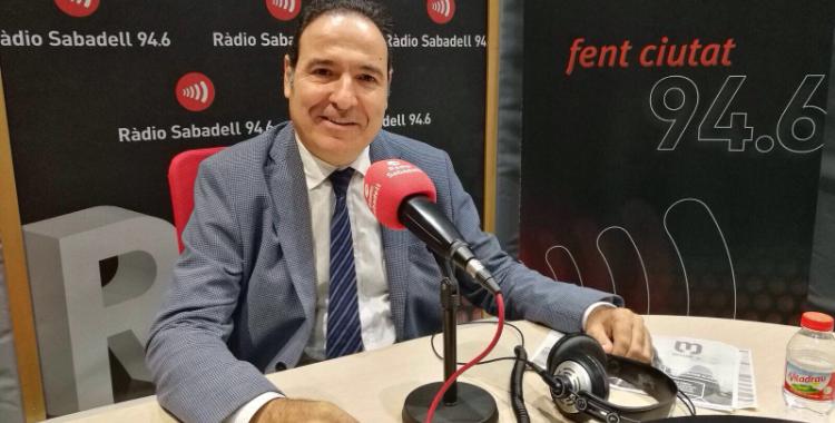 El Dr. Diego Palau, director executiu de salut mental del Parc Taulí, als estudis de ràdio Sabadell.
