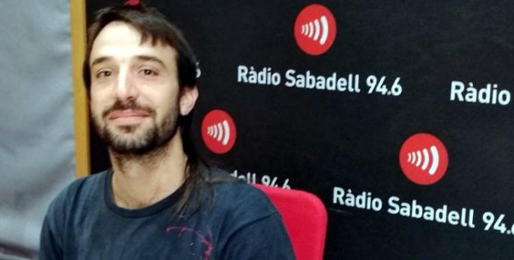 Marc Montlló, als estudis de Ràdio Sabadell/ Raquel Garcia