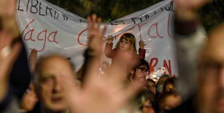 Una de les concentracions a la plaça Sant Roc. Foto: Roger Benet