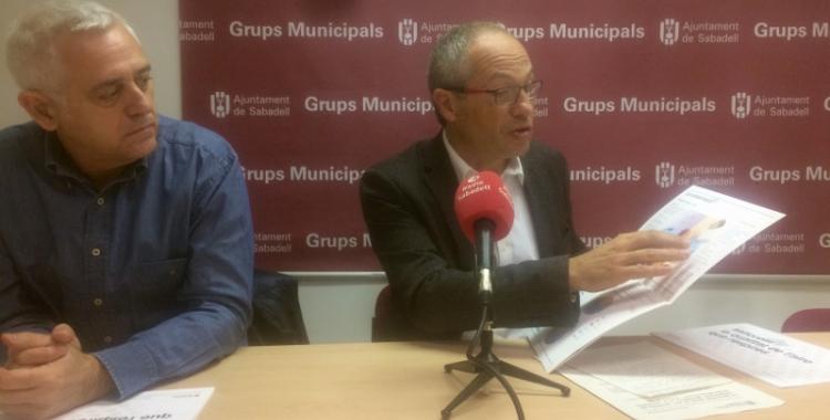 El portaveu del PDeCAT a  Sabadell, Carles Rossinyol, en la presentació de les propostes contra la contaminació.