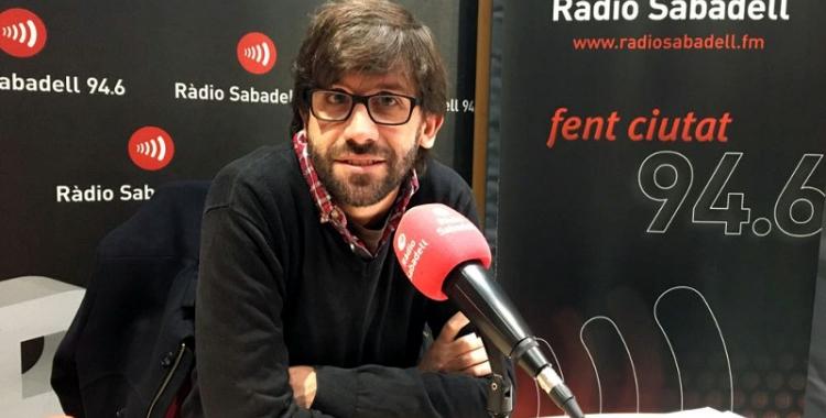 Guillem Fuster, als estudis de Ràdio Sabadell/ Mireia Sans