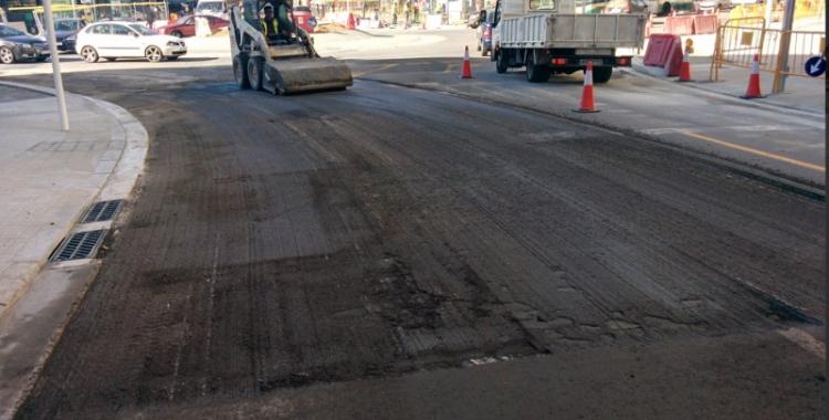 Avui s'està preparant l'entorn de la rotonda per asfaltar-lo/ Ajuntament de Sabadell