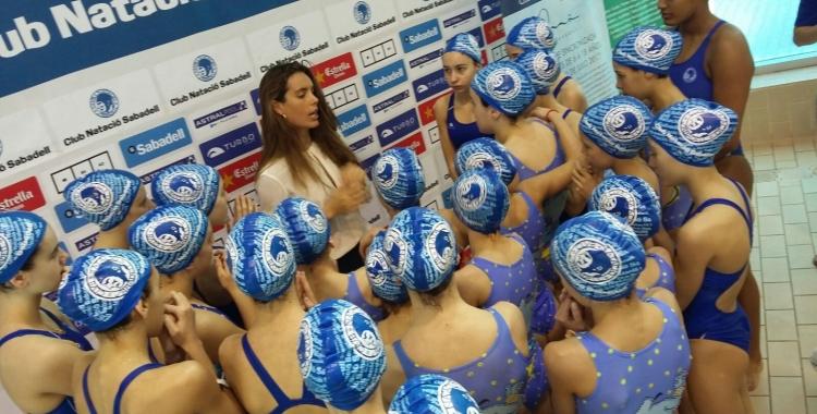 Carbonell amb algunes de les joves promeses del Club | CNS