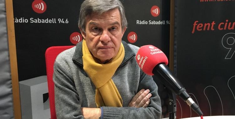 L'economista sabadellenc Joan B. Casas ha passat pels estudis de Ràdio Sabadell.