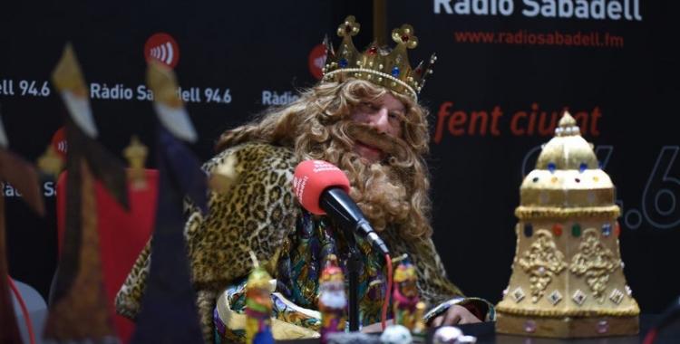 El rei ros, Gaspar, ha estat entrevistat a Ràdio Sabadell abans de la cavalcada. Foto: Roger Benet