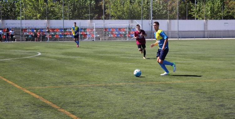 El Sabadell Nord es juga bona part de les seves opcions d'ascendir contra el Tona   Adrián Arroyo
