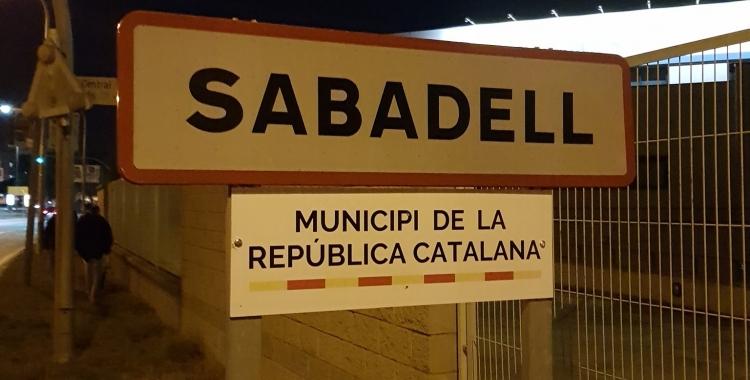 Acció a les plaques d'entrada a la ciutat   CDR Sabadell