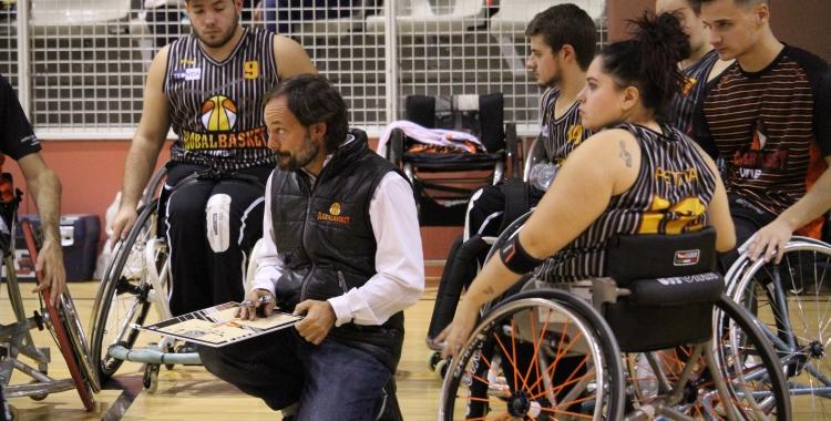 Óscar Trigo i els seus jugadors a punt de certificar la permanència a Primera | Adrián Arroyo