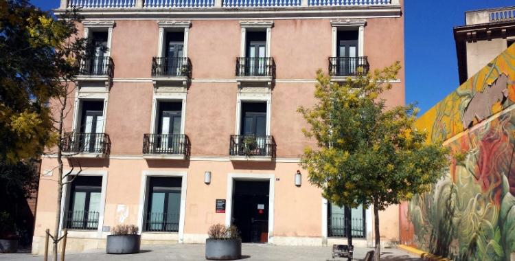 Edifici del SUES a la plaça del Gas   Pau Duran