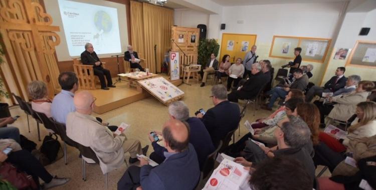 Mons. Josep Àngel Saiz i Salvador Obiols durant la presentació | Roger Benet
