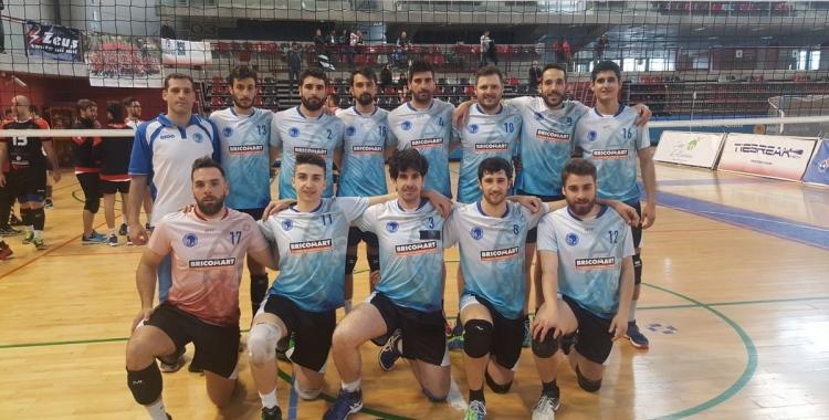 L'equip masculí va acabar cinquè el campionat, derrotant al València   CNS Volei