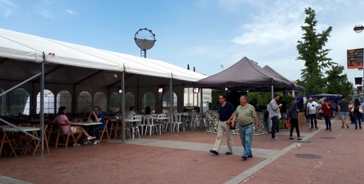 La festa del Centro Regional de Murcia està a l'Eix Macià des de divendres/ Karen Madrid