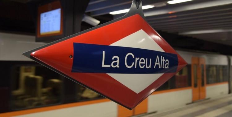 Cartell indicador de l'estació de La Creu Alta | Roger Benet