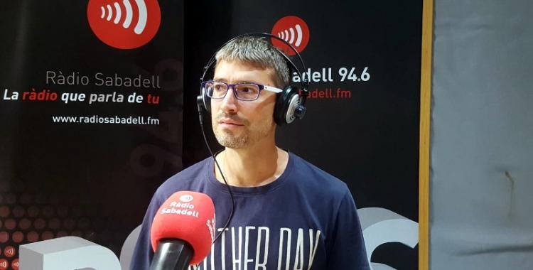 Màrius Navazo als estudis de Ràdio Sabadell 94.6
