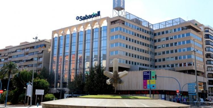 Exterior de la seu de Banc Sabadell a Alacant/ ACN