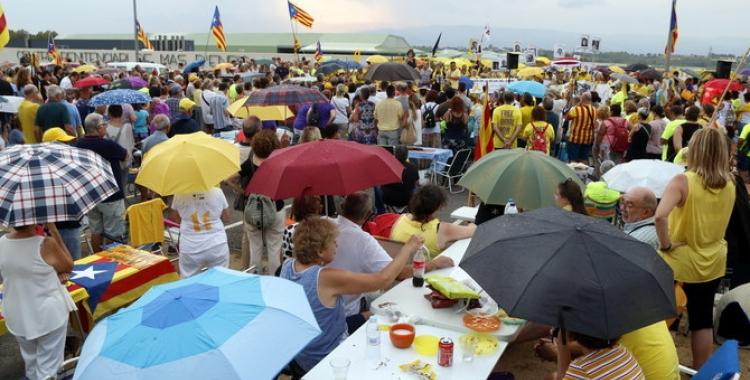 Centenars de persones concentrades a la presó de Mas d'Enric | 324