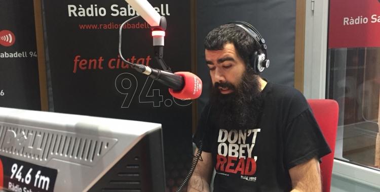 Àlex Hinojo, als estudis de Ràdio Sabadell |Aleix Graell