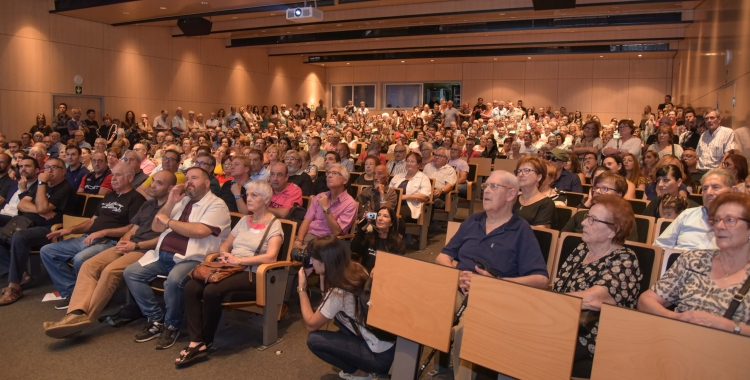 El públic en la primera sessió de projecció del documental | Roger Benet