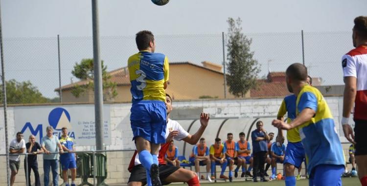 Primer triomf del Sabadell Nord al camp del Rubí en un duel d'arlequinats | UE Rubí