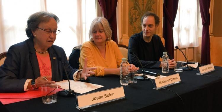 Joana Soler, Montserrat Chacón i Josep Maria Almirón durant la presentació al Teatre Principal | Ràdio Sabadell