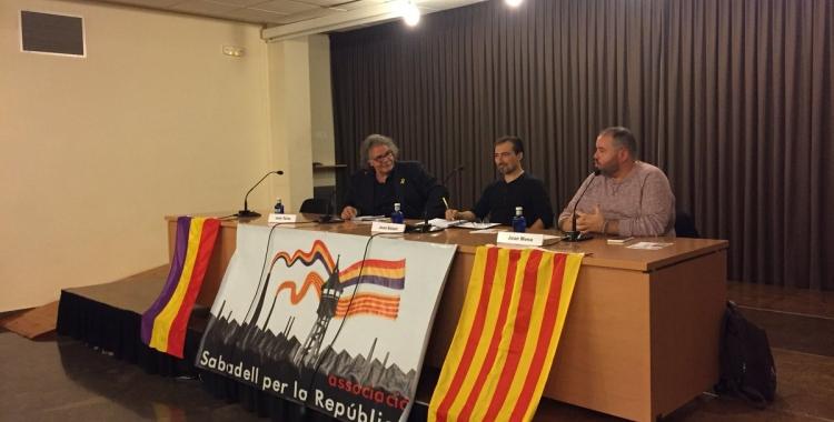 Tardà i Mena durant la conferència | Ràdio Sabadell